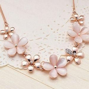 RoseGold Flower Rhinestone/CrystalChunky Necklace